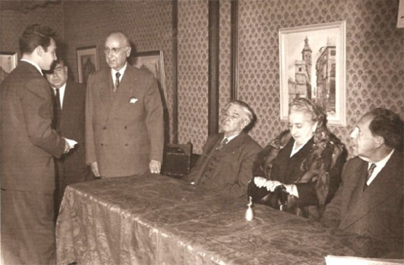 Mir recibe el Premio Goerlich-MiquelAño 1958